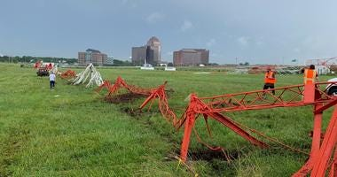 WBBM Newsradio's radio tower comes down at Itasca transmitter site