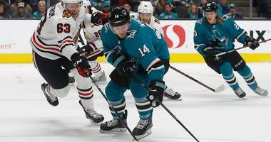Sharks Score 3 In 3rd Period To Beat Blackhawks