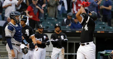 Giolito, Jimenez Lead White Sox To 10-2 Romp Over Yankees
