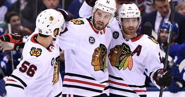 Blackhawks Hang On To Beat Maple Leafs