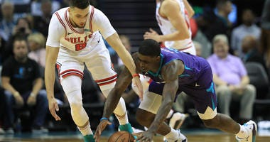 Hornets Edge Bulls 126-125 In Season Opener