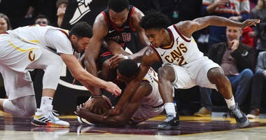 Cavs Rally To Beat Bulls, 117-111