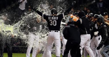 Delmonico's Walk-Off HR Pushes White Sox Past Boston