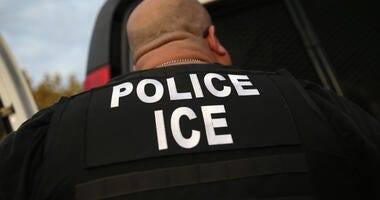 Man Being Deported Escapes ICE Agents, Hails Cab After Using O'Hare Restroom