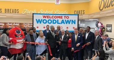 Mayor Emanuel cuts ribbon at grand opening of Jewel in Woodlawn