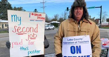 Teachers and support staff are on strike Thursdayin Grayslake District 46.