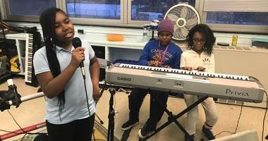 Newsmakers Making A Difference: Intonation