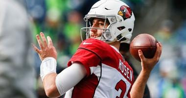 Arizona Cardinals quarterback Josh Rosen warms up