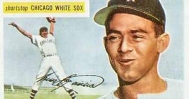 Luis Aparicio Topps baseball card