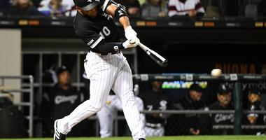 Moncada Hits 2 HRs, Leads White Sox Past Indians