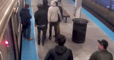 Police Seek 6 Suspects In Red Line Robbery