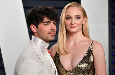 Joe Jonas (L) and Sophie Turner attend the 2019 Vanity Fair Oscar Party hosted by Radhika Jones at Wallis Annenberg Center for the Performing Arts on February 24, 2019 in Beverly Hills, California