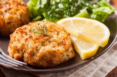 crab cakes getty images