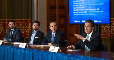 Governor Cuomos Sunday press briefing in Albany