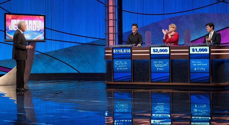 """Former """"Jeopardy!"""" contestant talks incredible run by current show champion"""