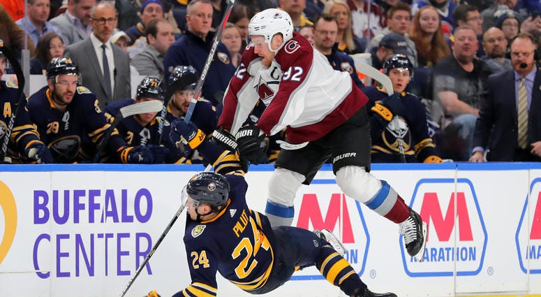 Avalanche overcomes Sabres in 6-1 loss