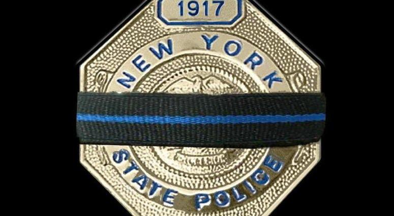 NYS Trooper honoring fallen member