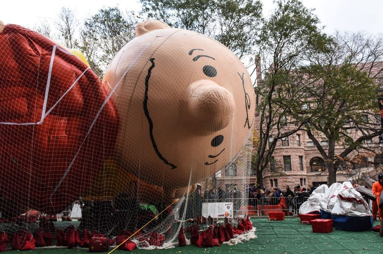 thanksgiving day parade balloon inflation
