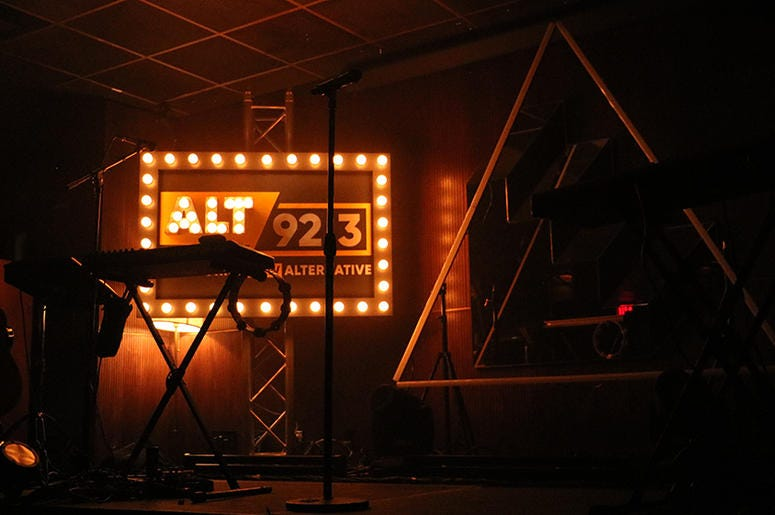 Shaed Perform at ALT 92.3 Pop Up Sessions