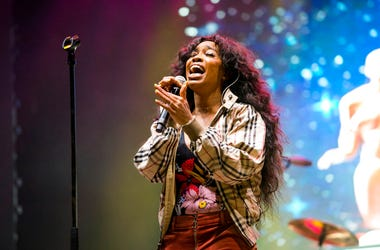 SZA performs at the 2018 BUKU Music + Art Project at Mardi Gras World in New Orleans
