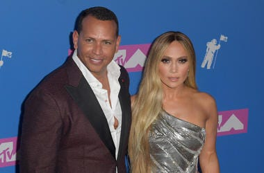 Alex Rodriguez and Jennifer Lopez (R) attend the 2018 MTV Video Music Awards