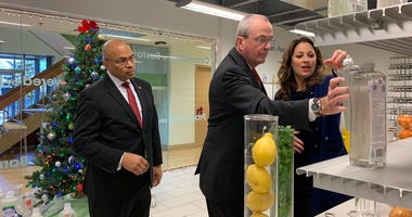 Gov. Murphy at Earth Friendly Products