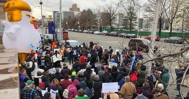 Trump protest Newark
