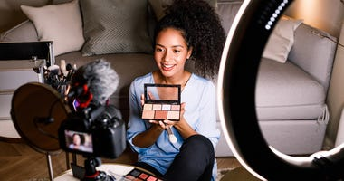 Live stream makeup products