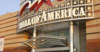 boy, injured, fall, Mall of America