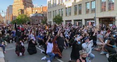 George Floyd protesters kneeling in New York City