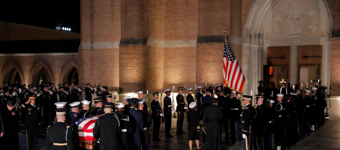 The Latest Pallbearers Carry Bush Casket Into Texas Church Wcbs Newsradio 880