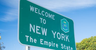 Welcome to New York highway sign