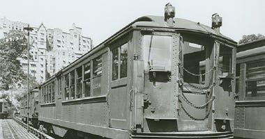 Lo-V Vintage subway car