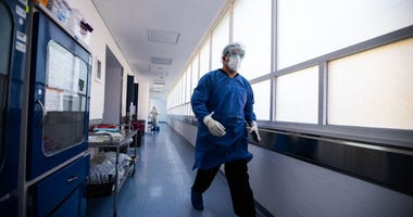 32-Year-Old Coronavirus Survivor Leaves Hospital After 93 Days