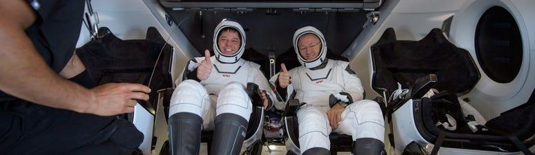 WATCH: SpaceX Capsule, NASA Crew Make 1st Splashdown In 45 Years
