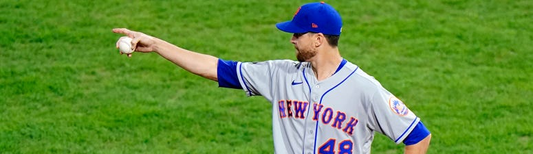 DeGrom Exits With Hamstring Spasm, Mets Rally Past Phils 5-4