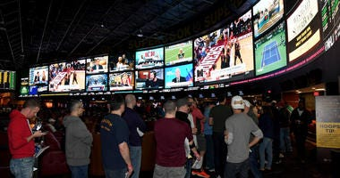 Sports Betting (Getty)
