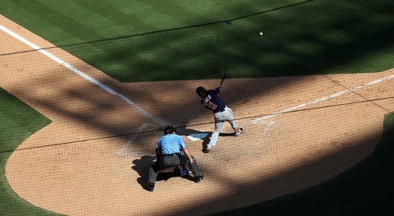 Bases-loaded triple by Jorge Polanco