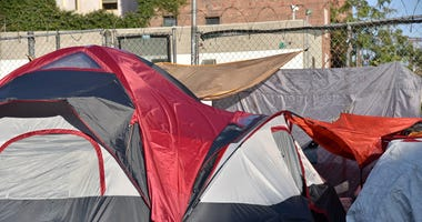 Man shot at tent city in Powderhorn Park
