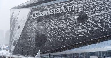 U.S. Bank Stadium, Exterior, Snow