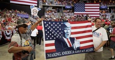 Duluth Trump crowd