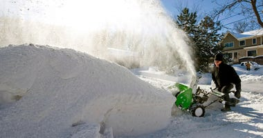 Snowing, Snowblower