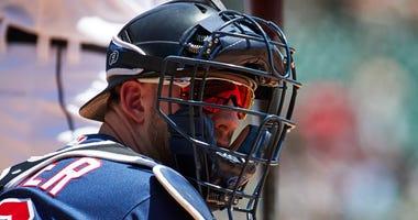 Mitch Garver catching