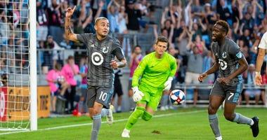 Miguel Ibarra gets a goal