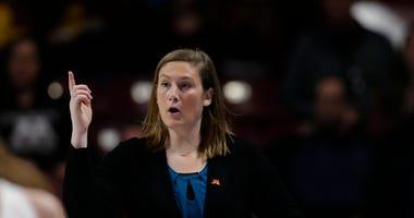 Lindsay Whalen coaching