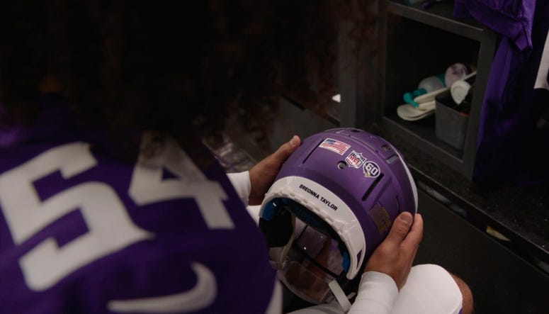 Helmet Decal, Eric Kendricks