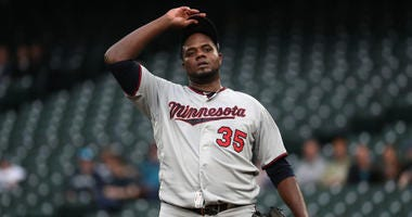 Pineda rejoins Twins to bolster starting rotation