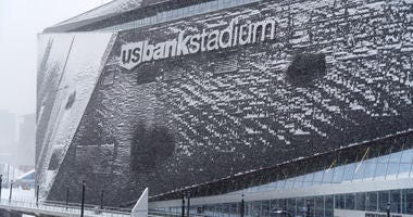 U.S. Bank Stadium, Exterior, Snow