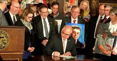 Gov. Walz signs hands-free bill into law