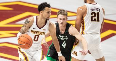 Davids Atelbauers of North Dakota guards Gopher guard Payton Willis